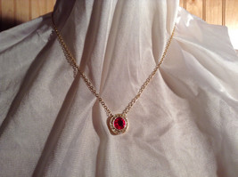 Round Red and White Stone Gold Tone  Pendant Necklace Lobster Clasp Closure image 5