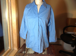 Riders by Lee blue button up v neck shirt  size XL image 2