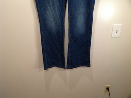 Rocawear Size 22 Stretchy Blue Jeans Excellent Condition Zipper Button Closure image 3