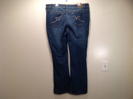 Rocawear Size 22 Stretchy Blue Jeans Excellent Condition Zipper Button Closure image 7