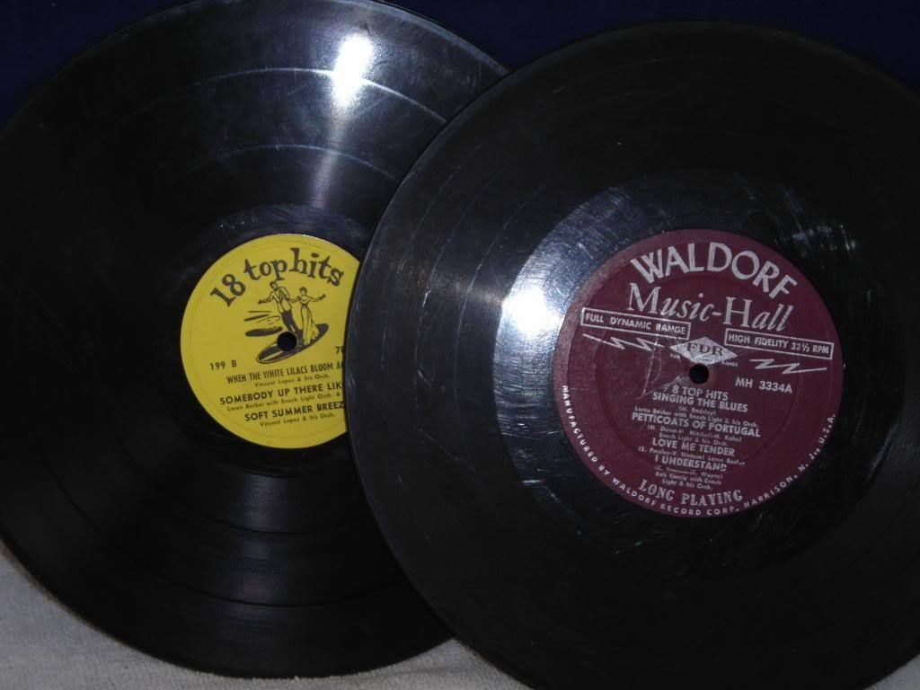 "Two Old Records for Decoration ""Waldorf"" ""top 18 hits"""