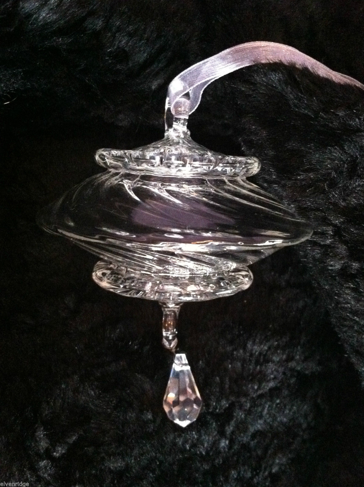 Twisted crystal ornament w/ teardrop crystal hanging