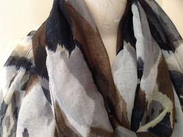 Attractive Black Brown Tan Printed Fashion Scarf Light Material No Name Tag image 3