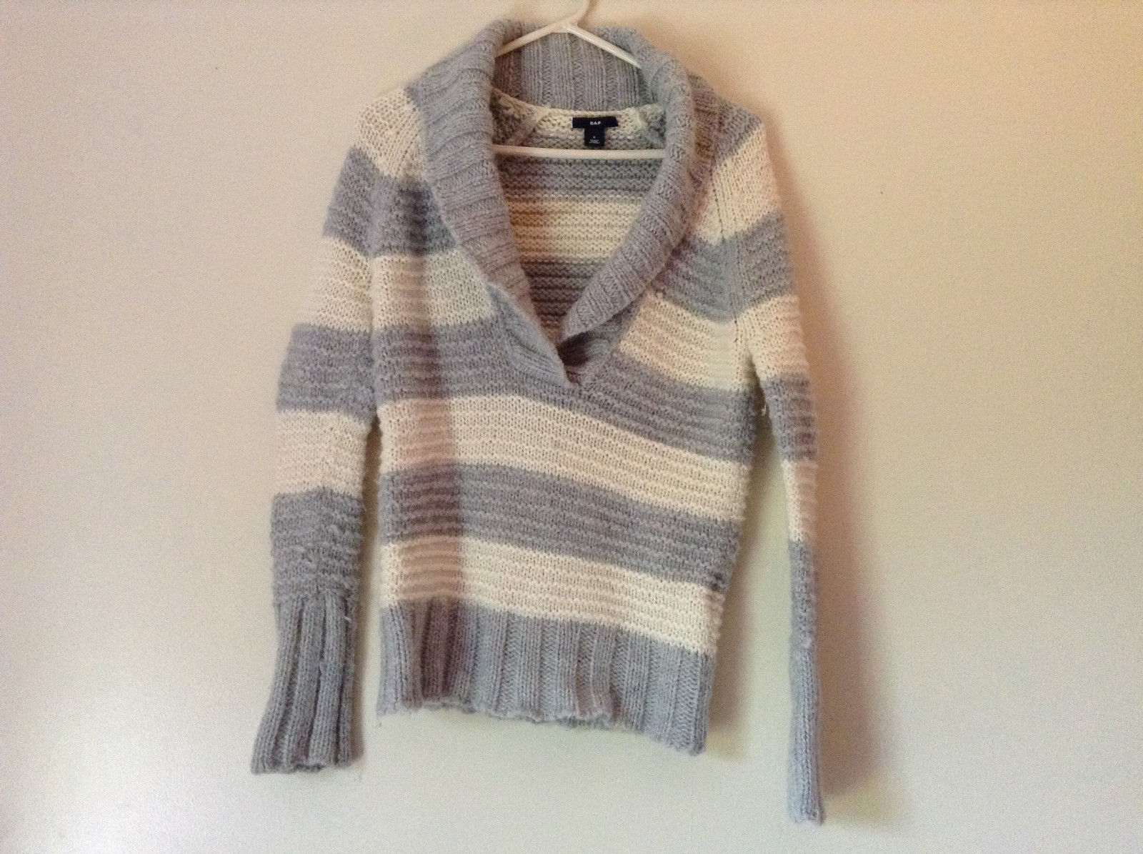 V Neck Knitted White and Gray Striped Sweater by GAP Measurements Below