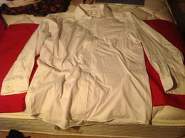 Van Heusen Mens White Long Sleeve Dress Shirt Button Front Size 16 (32/33)
