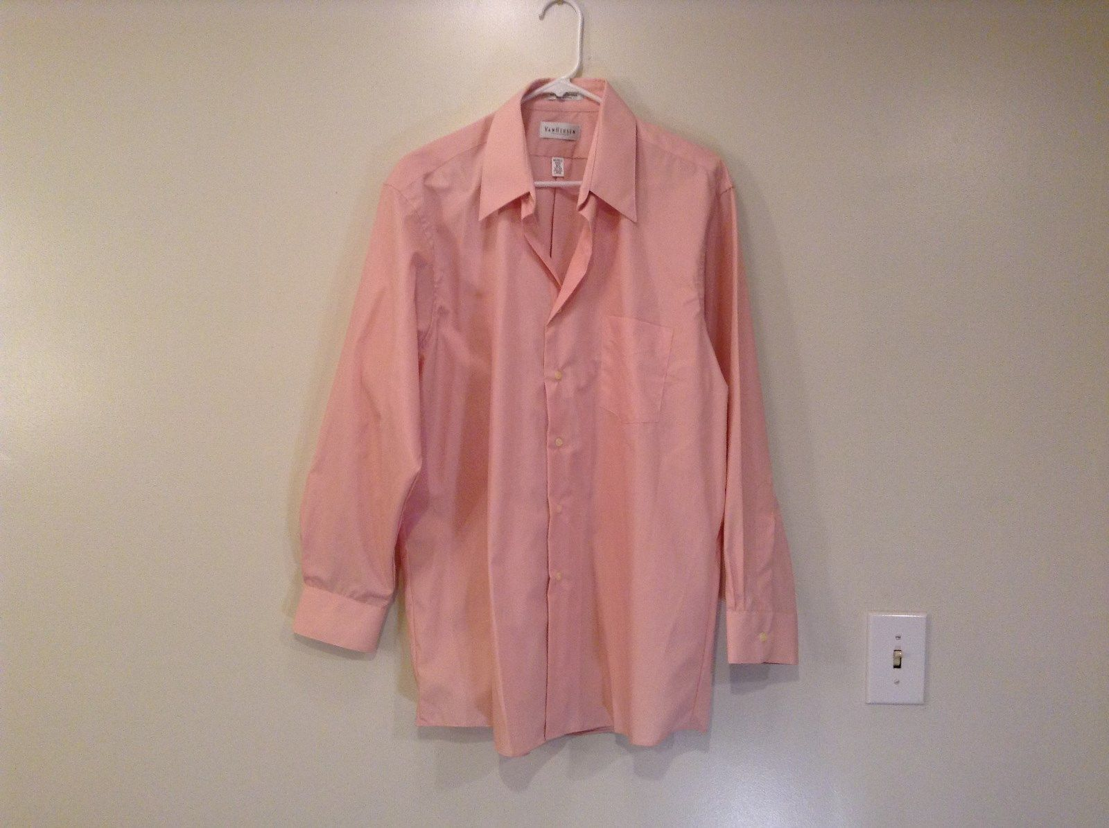 Van Heusen Size 32 Large Pink Poplin Long Sleeve Button Up Dress Shirt