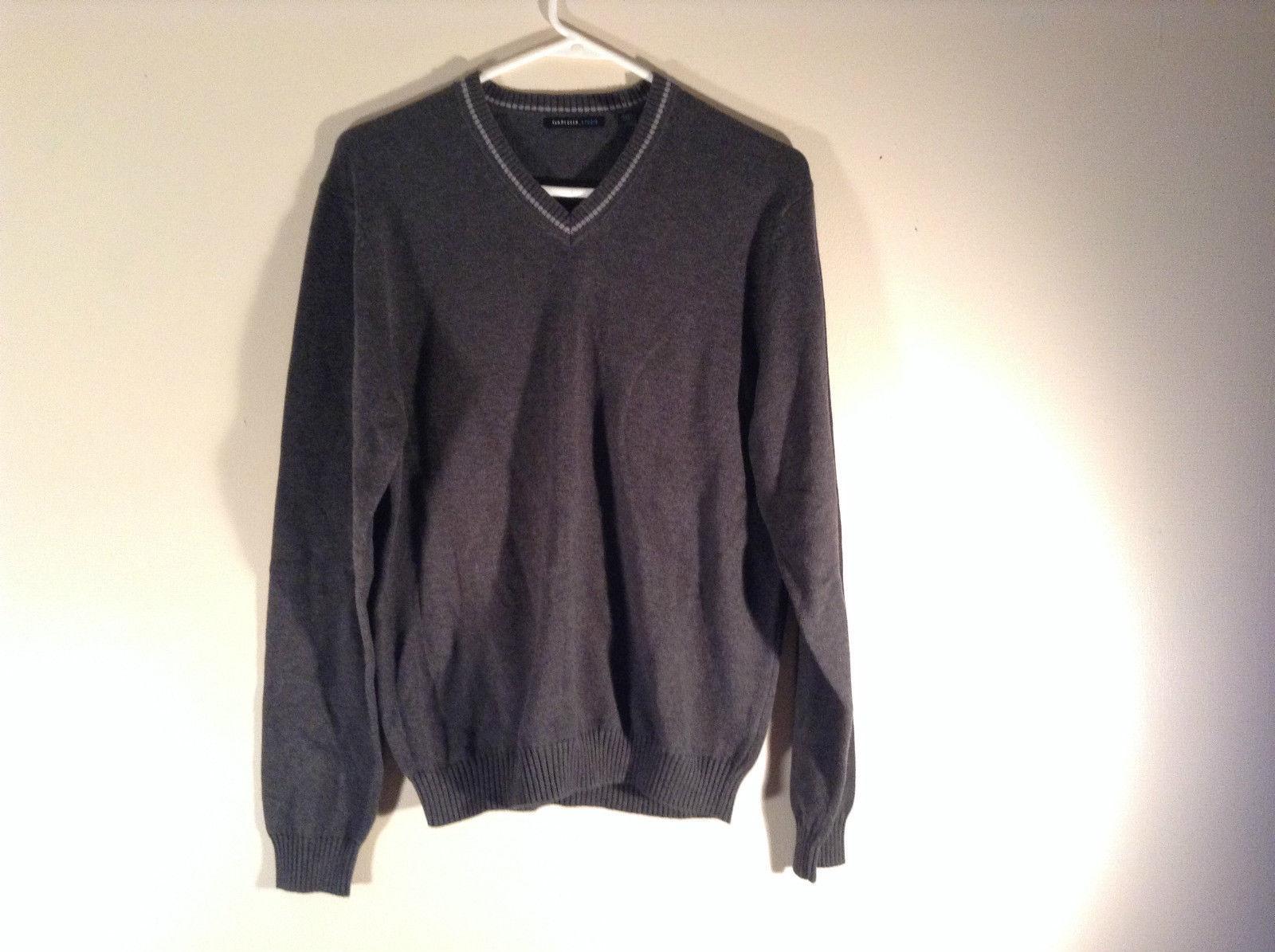 Van Heusen Dark Gray Light V Neck Sweater Size Small Petite 100 Percent Cotton