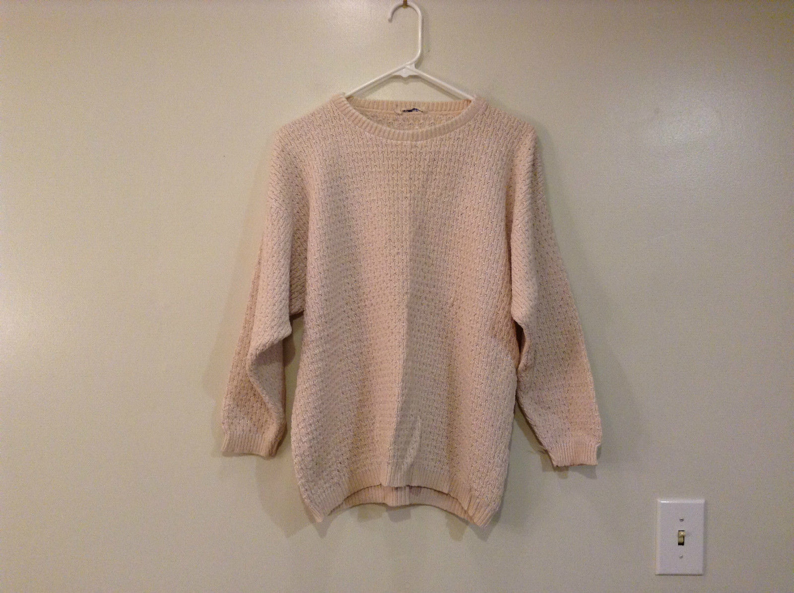 Very Light Pink Ann Taylor Short Sleeve Sweater No Tags Measurements Below