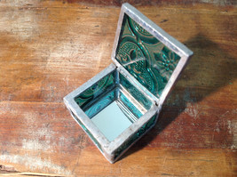 Sea Green Embossed Glass Ring Box Mirrored Bottom Paisley Designed Glass image 2