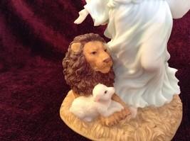 Seraphim Classics Serena Angel of Peace Angel Figurine Regal Angel Decoration image 3