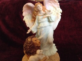 Seraphim Classics Serena Angel of Peace Angel Figurine Regal Angel Decoration image 2