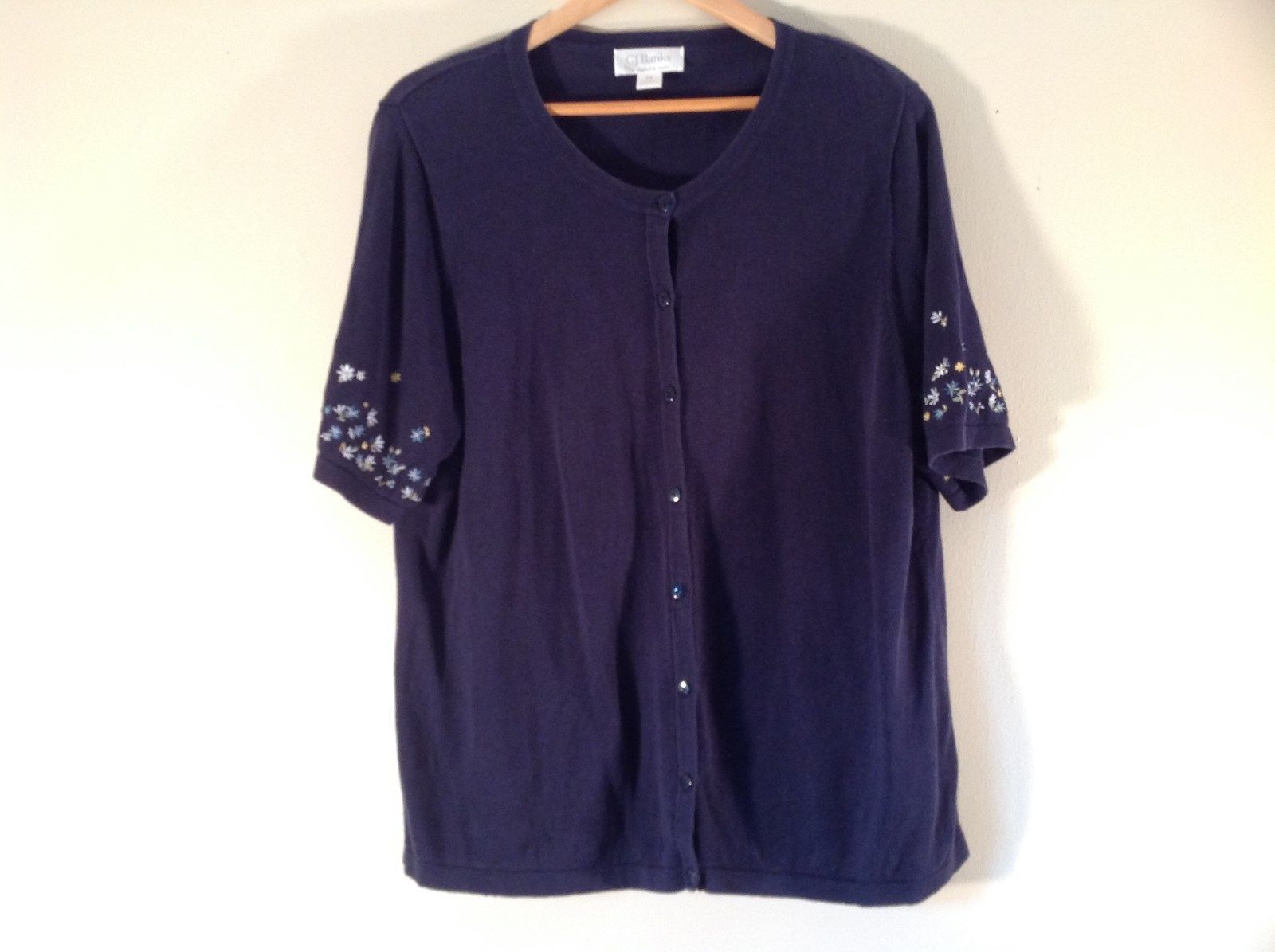 Very Nice Short Sleeve Navy with Flowers Button Up Sweater Size 1X C J Banks