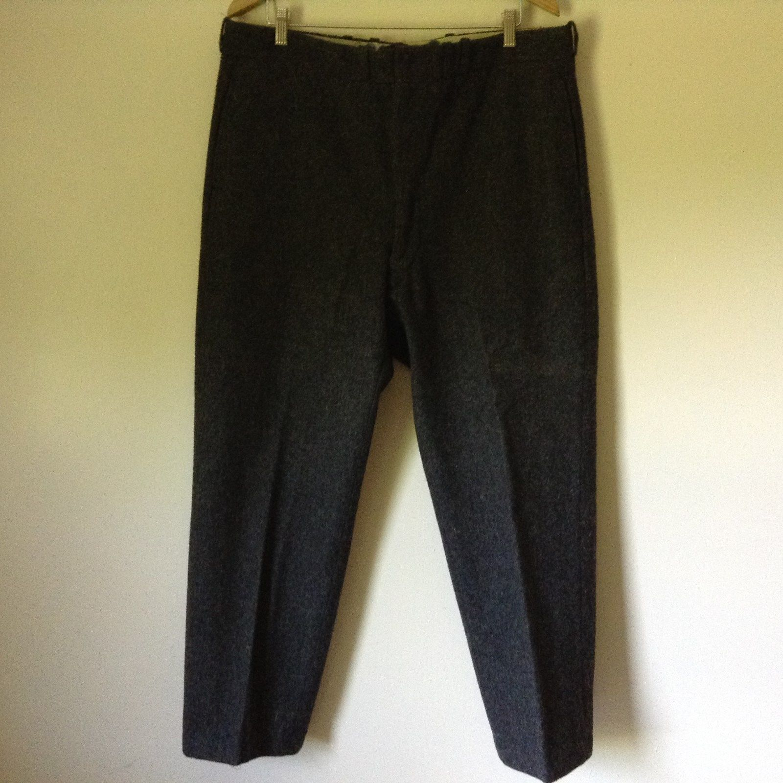 Very Nice L L Bean Pure Wool Gray Dress Pants Measurements Below