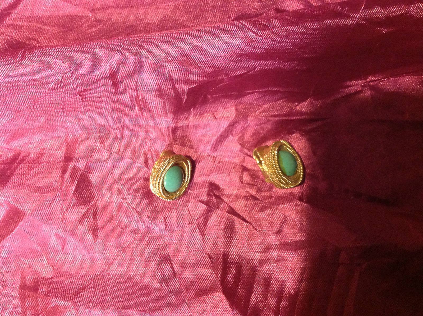 Very pretty Gold Green Emerald Clip-on Earrings 1.5 Inches