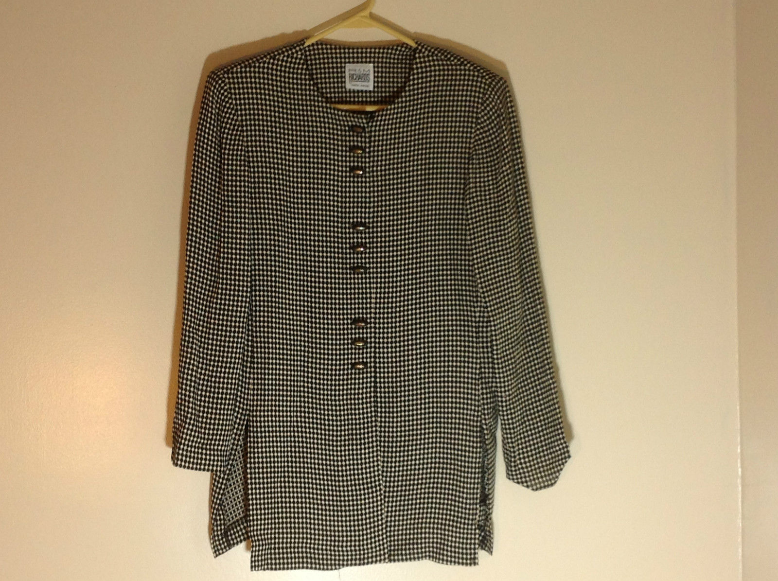 Very Pretty R & M Richards Black and White Printed Button Up Blouse Size 12P