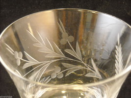 Set of 9 wine glass stemware with copper wheel design of leaves and  berries image 6