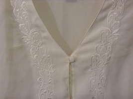 Ship N Shore White V Neck Button Up Top Side Slits Embroidery on Front Size 20W image 6