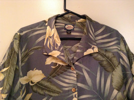 Short Sleeve Light Blue Gray with Floral Leaf Pattern Tommy Bahama Shirt Size L image 2
