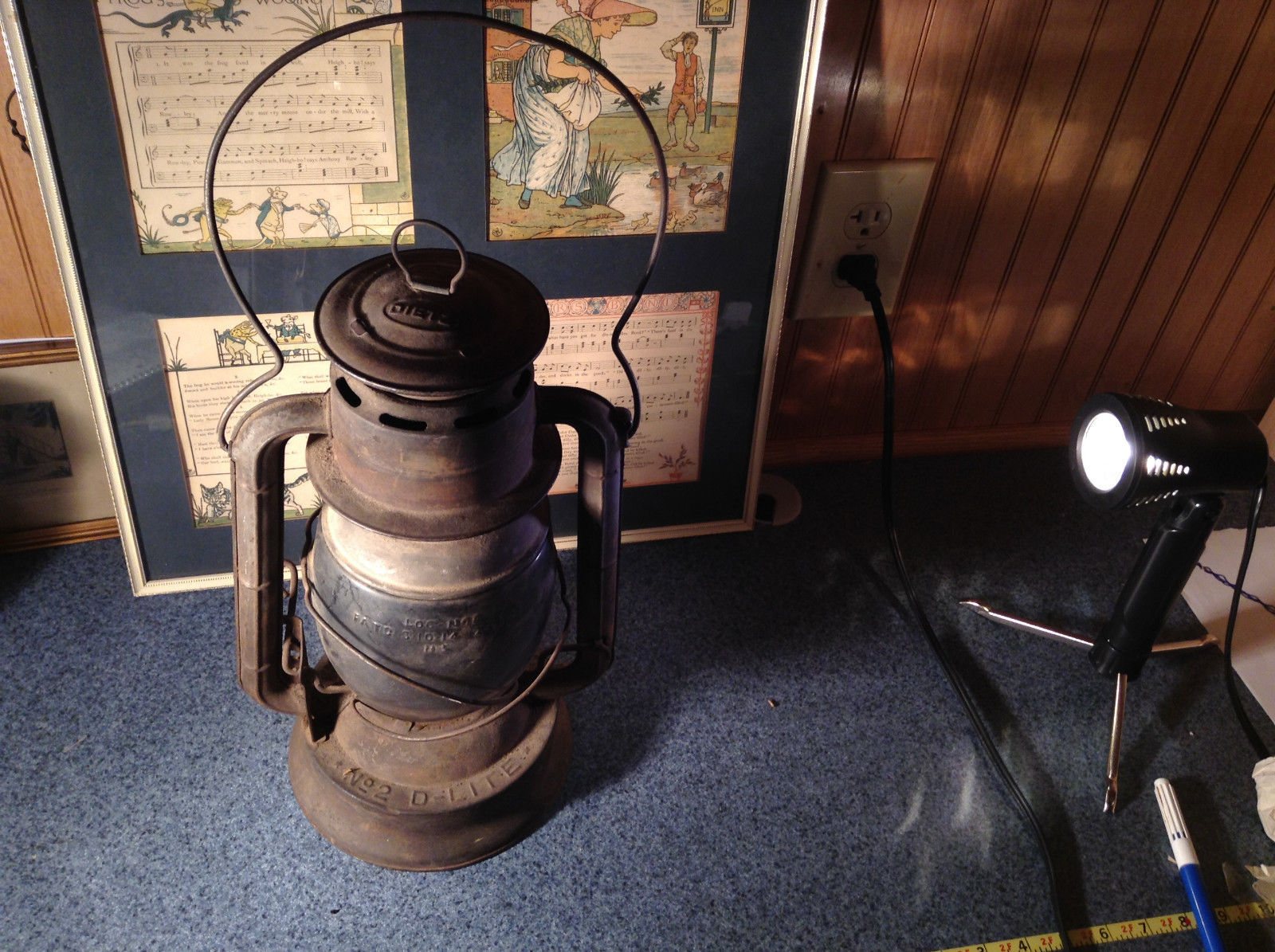 Vintage Large Icon Kerosene Lamp with Lantern Light Dietz No. 2