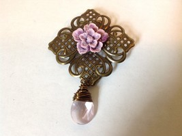 Vintage Look Light Purple Curved Flower Shaped Pin Brooch Light Pink Crystal