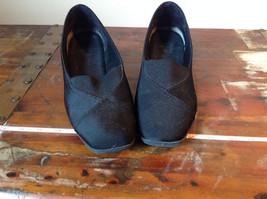 Size 9 Faded Glory Small Heeled Wedge Like Shoes image 4