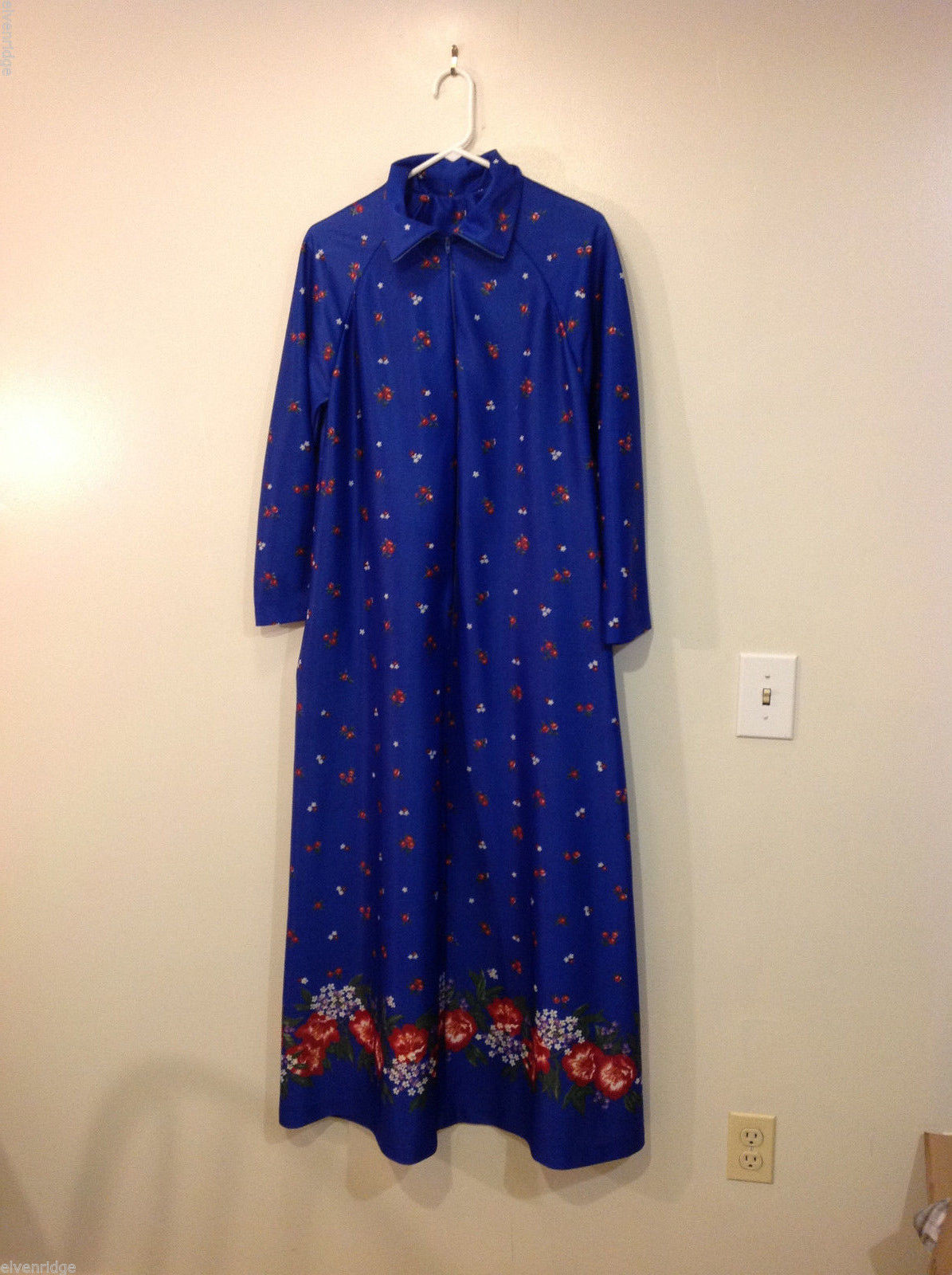 Vintage Sears Lounge wear Dark Blue Red Flowers Long Sleeve Floor Length, Size L