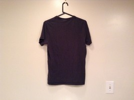 Size M 100 Percent Cotton Dark Blue Graphic Short Sleeve T Shirt by Hollister image 4