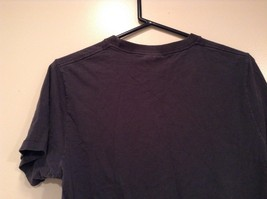 Size M 100 Percent Cotton Dark Blue Graphic Short Sleeve T Shirt by Hollister image 5