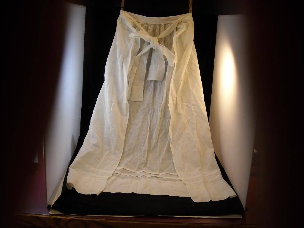 Vintage White Very Light weight Apron hand made