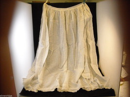 Vintage White Apron with Lace Edges