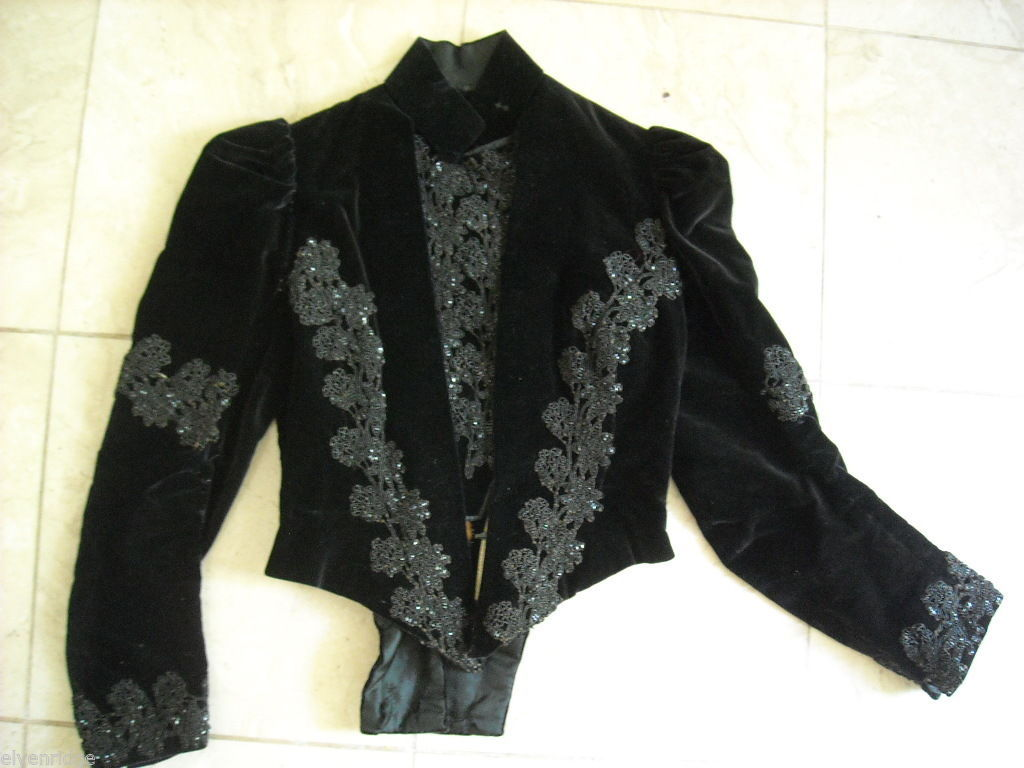 Vintage Victorian style Black velvet beaded long sleeve bodice