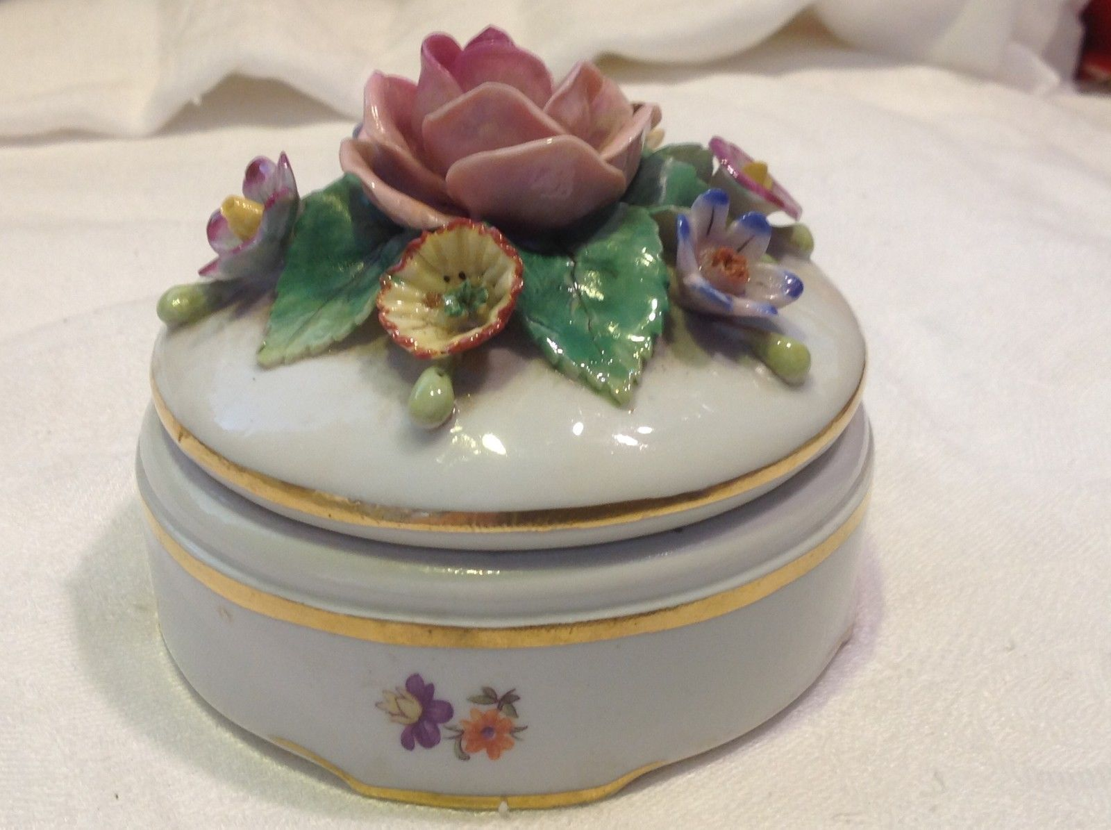 Vintage floral porcelain trinket box presumed Staffordshire