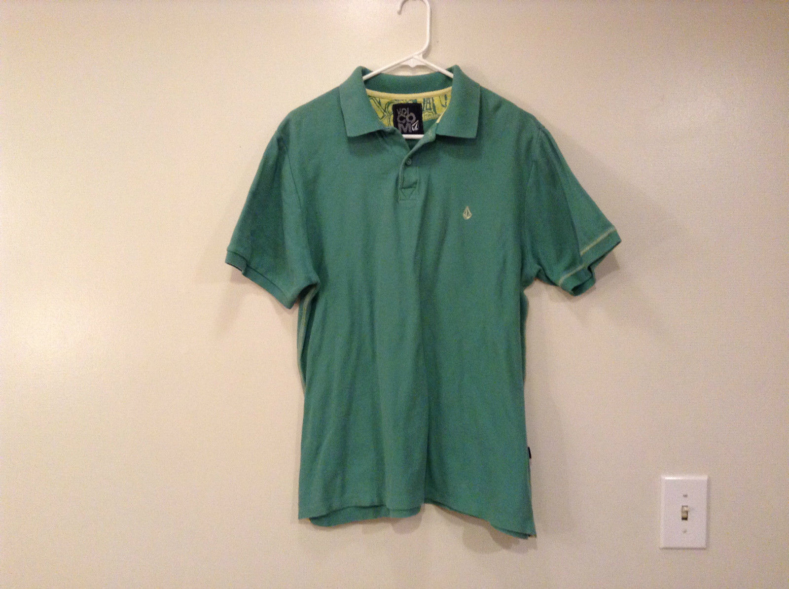 Volcom Green with Light Yellow Trim Short Sleeve Cotton Polo Shirt Size Large