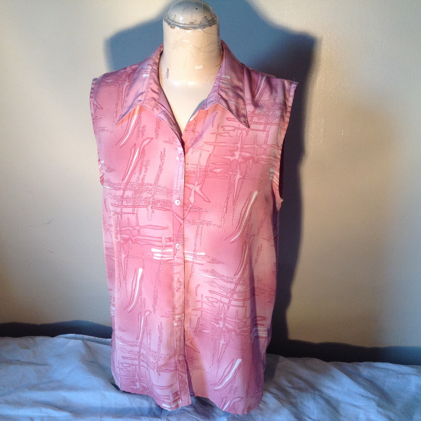Voir Collection Pink Sleeveless Button Down with Collar Blouse Size Medium