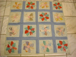 Small square quilt with flowers vintage image 4