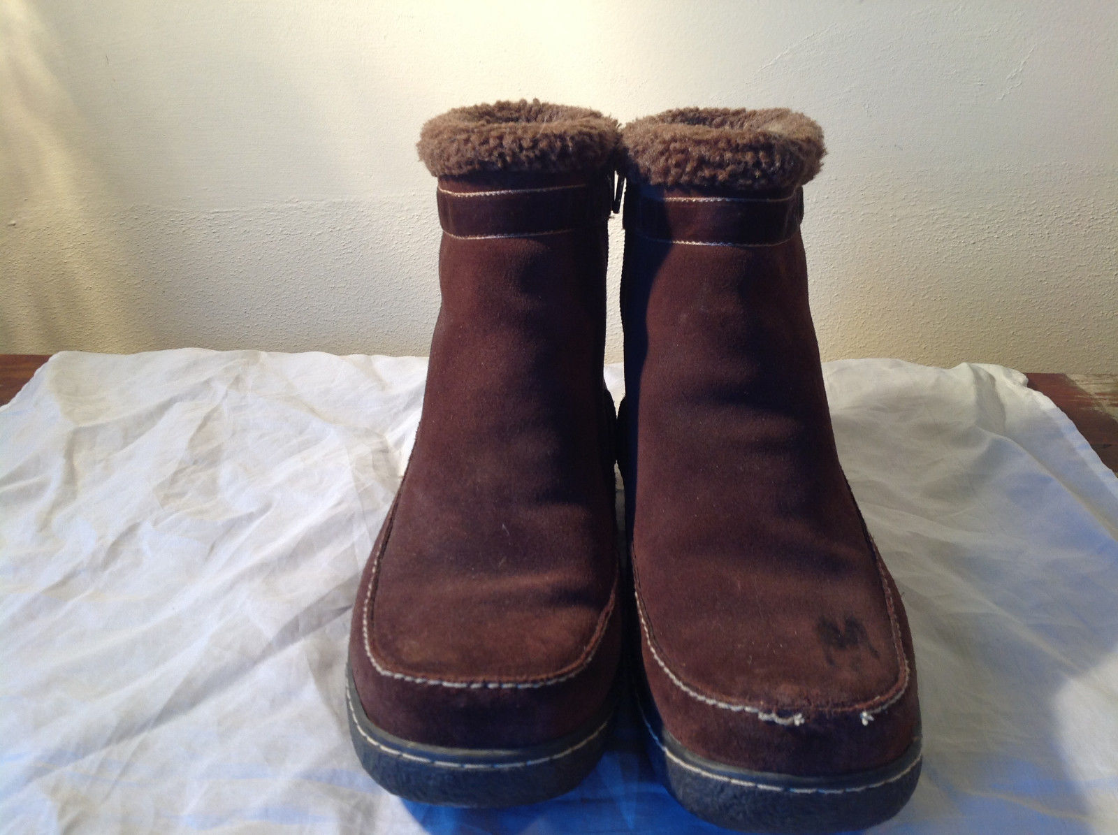 Warm Brown Winter Short Ankle Boots Lands End White Stitching Comfortable Size 8