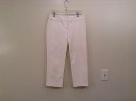 White INC International Concepts Size 6 Capri Pants Two Back Pockets