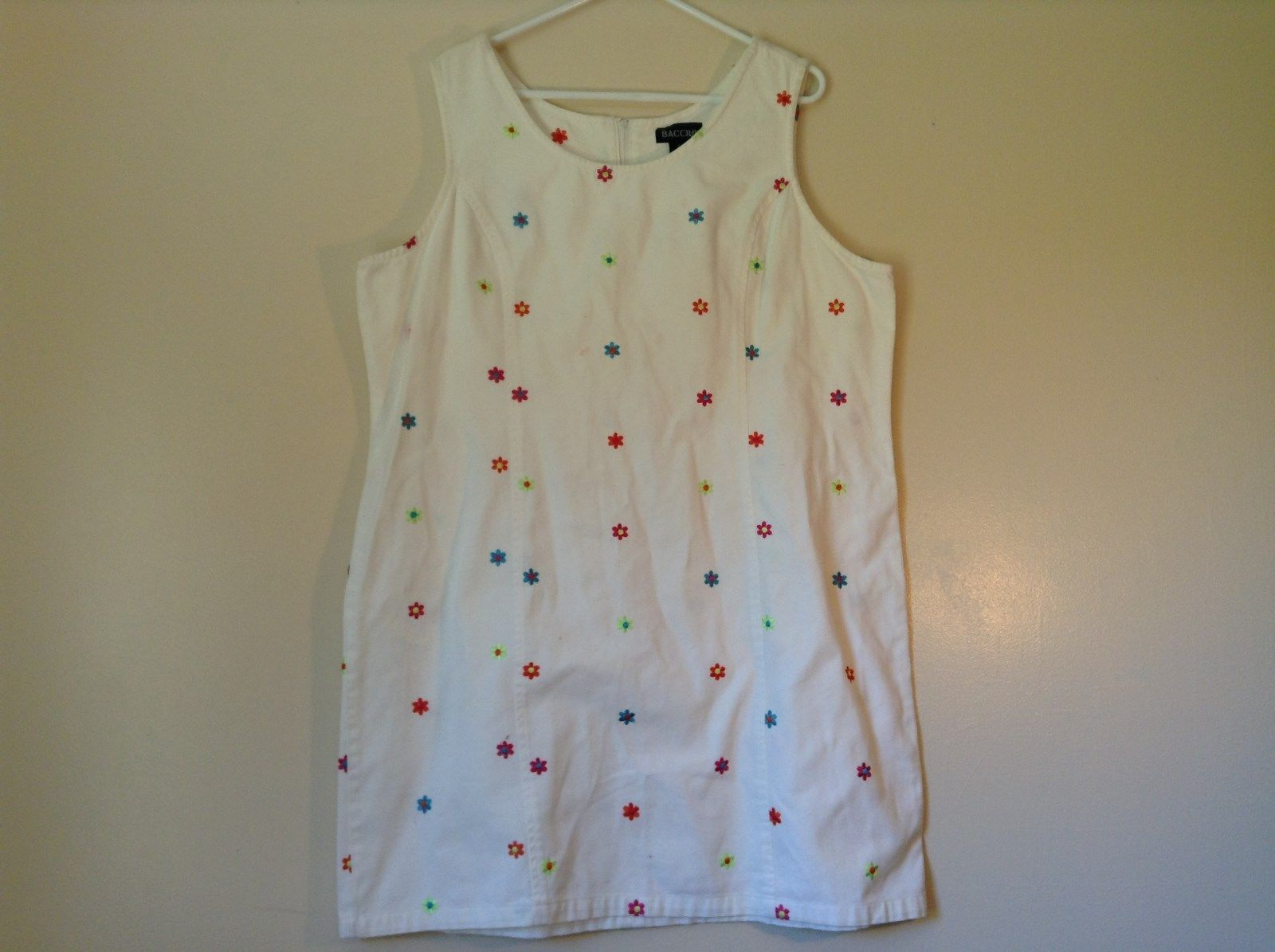 White Baccini Cotton Size 18W Sleeveless Top Bright Colored Flowers