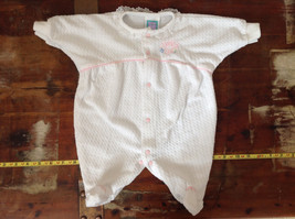 White Daddys Girl Pajamas One piece w Feet Snaps Go Up the Front Size 3 Months