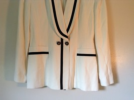 So Crazy by Rina Rossi White Blazer with Black Accent Blazer Shoulder Pads image 3