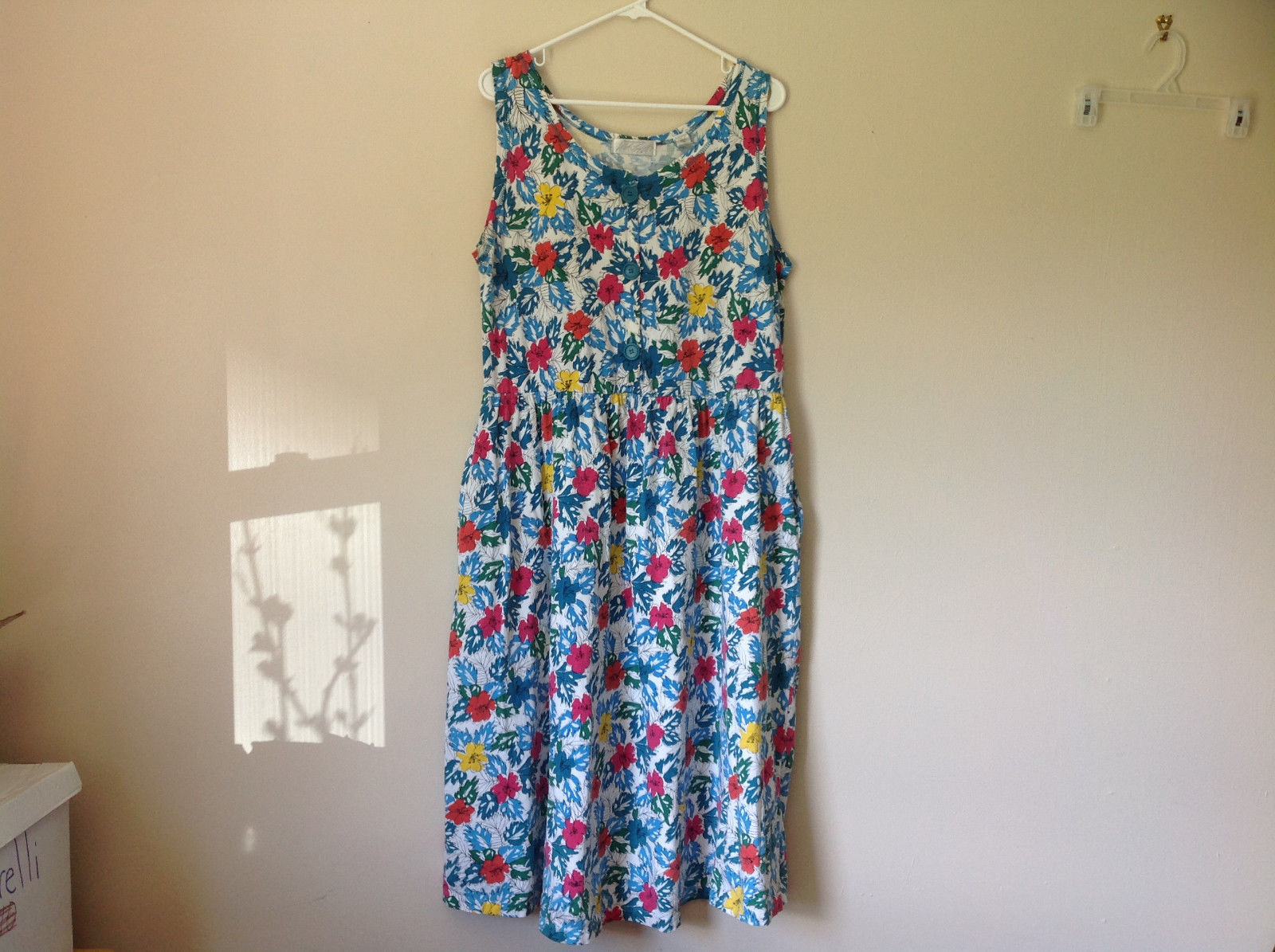 White Pink Blue Yellow Teal Tropical Floral Dress Lord and Taylor Size Large