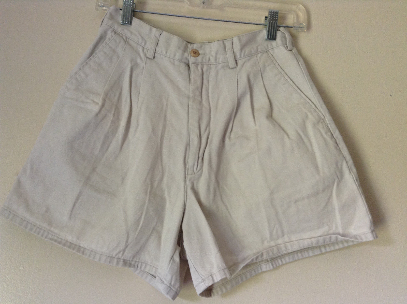 White Shorts by Eastern Mountain Sports EMS 100 Percent Cotton Size 8
