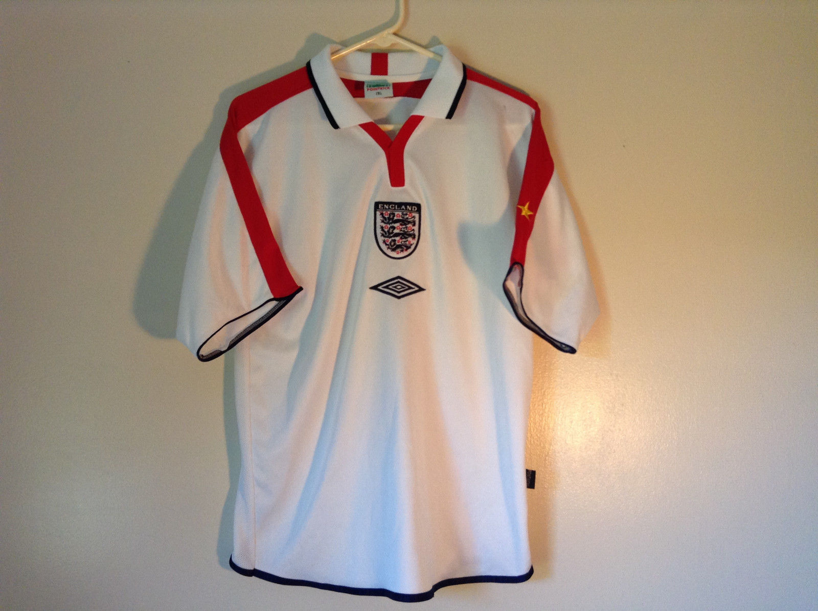 White Soccer Short Sleeve Shirt Point Kick England Red Accent Size 2XL