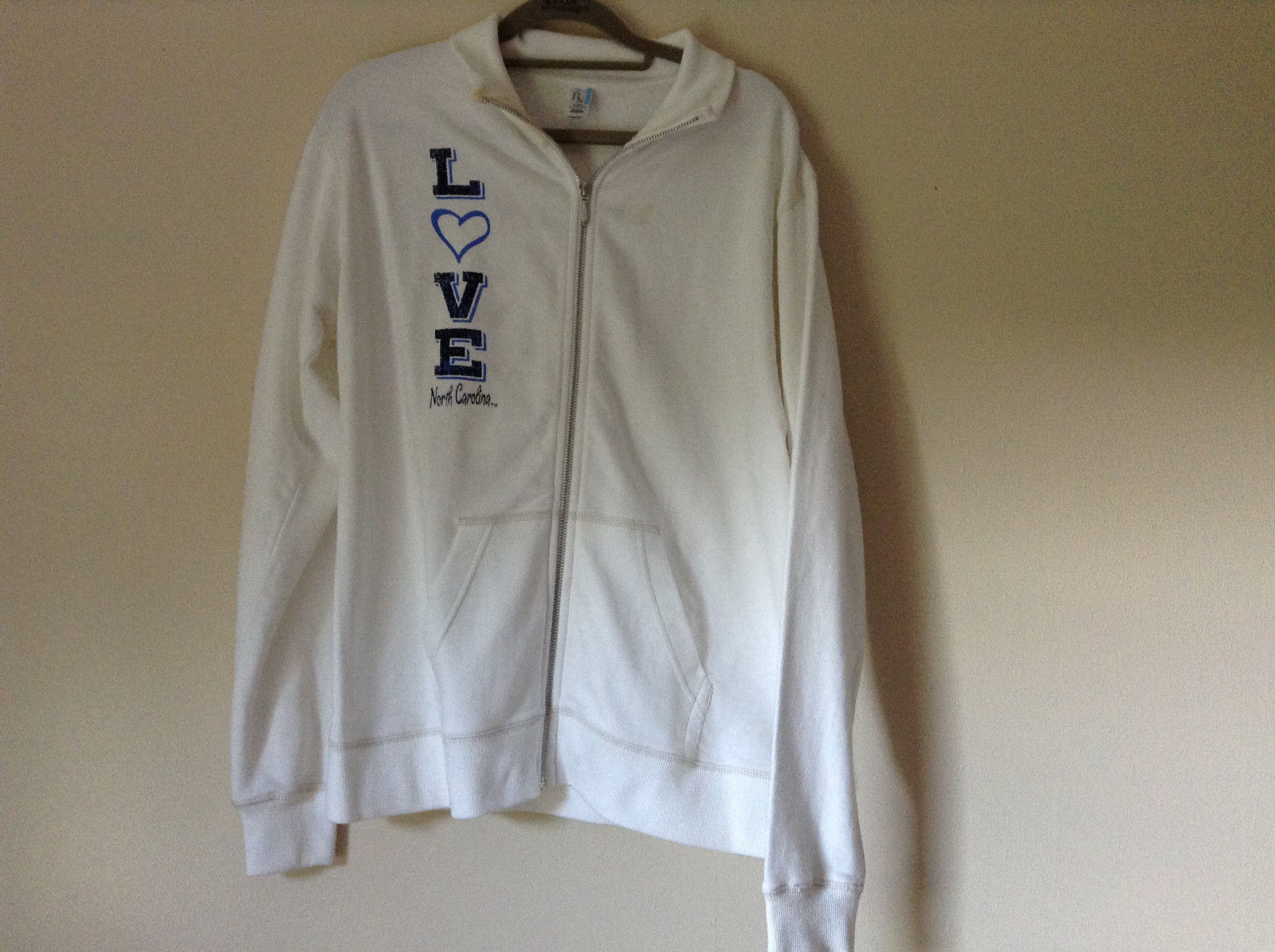 White Zip Up Long Sleeve Sweatshirt LOVE North Carolina RS For her Size Large