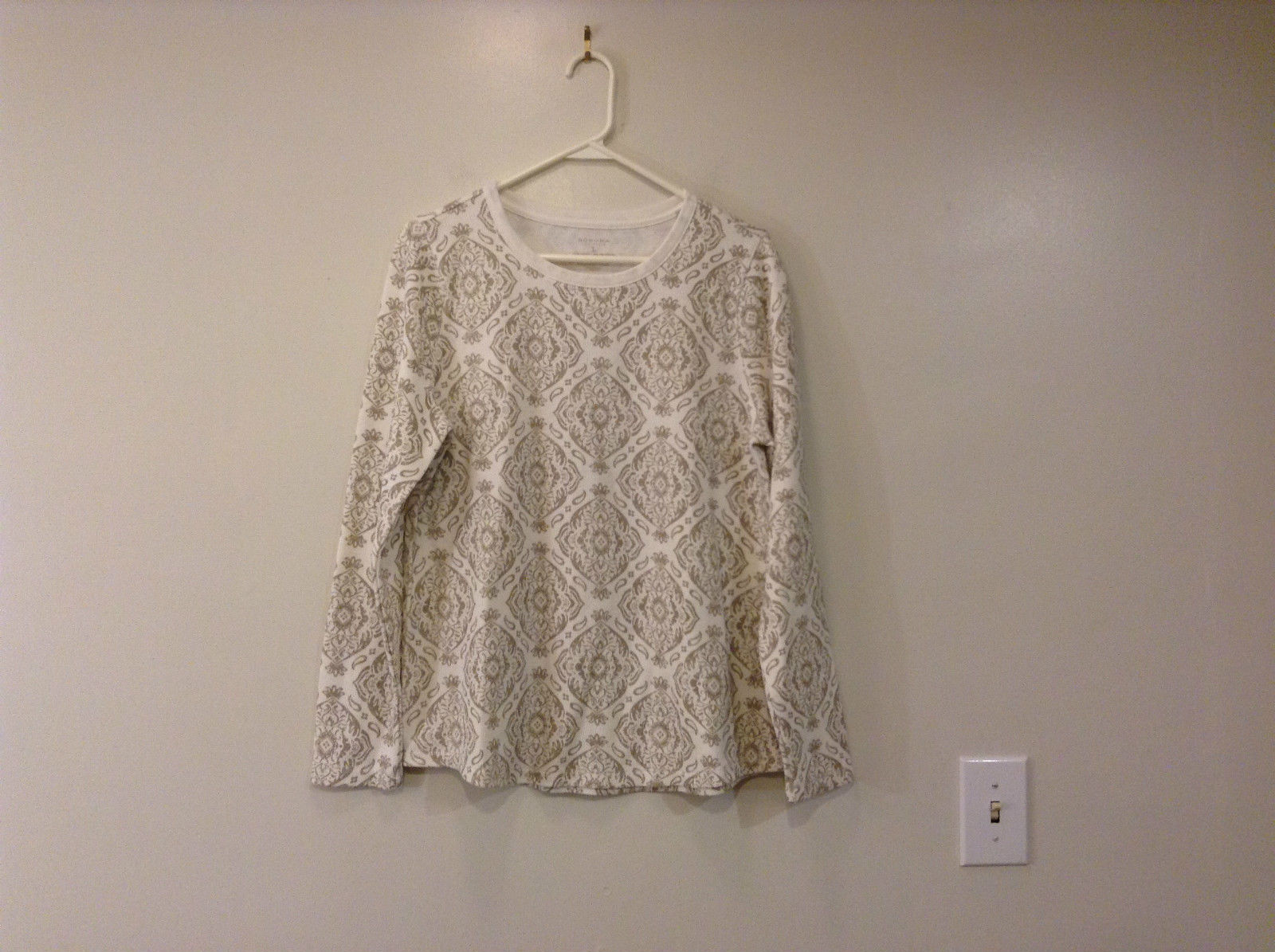 White with Light Brown Pattern Long Sleeve Top Sonoma Size L Very Good Condition
