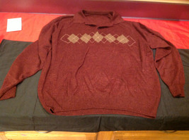 Wine Colored Mens Long Sleeve Sweater with Triangles Design Size 20 Inch W