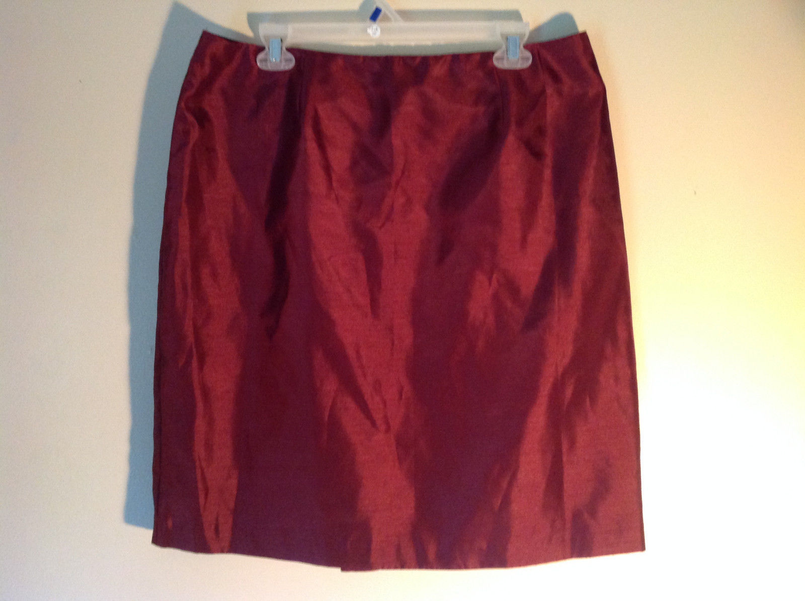 Wine Colored Skirt Size 16 Slit in Back for Easy Movement Back Zipper Closure