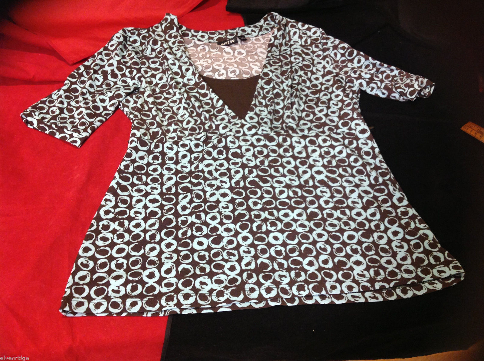 Womens Apt 9 brown and White Monochrome Ring Patterned Blouse Petite PM