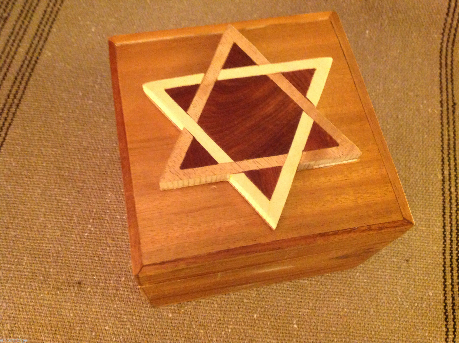 Wood Intarsia trinket box NEW with wood Star Of David  on top