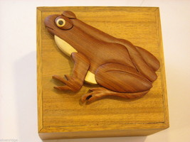 Wood Intarsia trinket box NEW with wood frog on top image 1